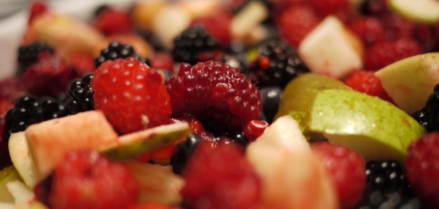 fruitsalade own garden raspberry